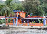 Une petite pension de famille attenante au centre de plongée au Panama - voyages adékua