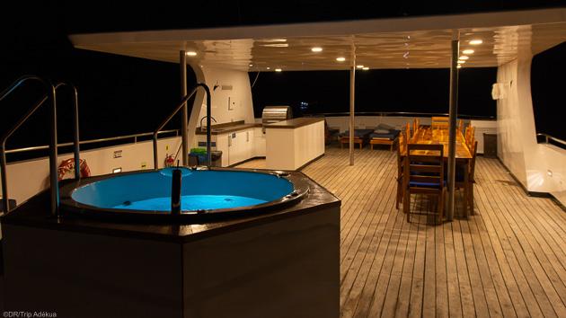 Un bateau tout confort pour savourez les moments de repos entre deux plongées