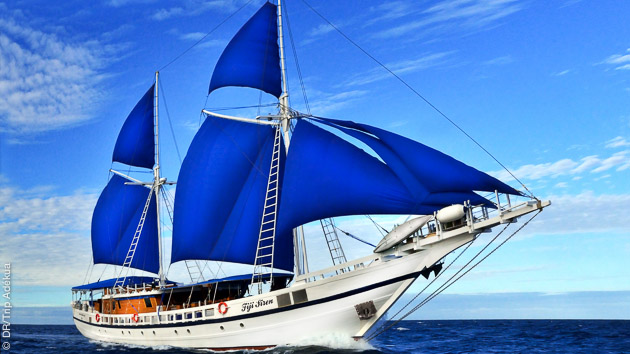 Voguez sur un voilier de luxe et plongez pendant 10 jours aux iles Fidji