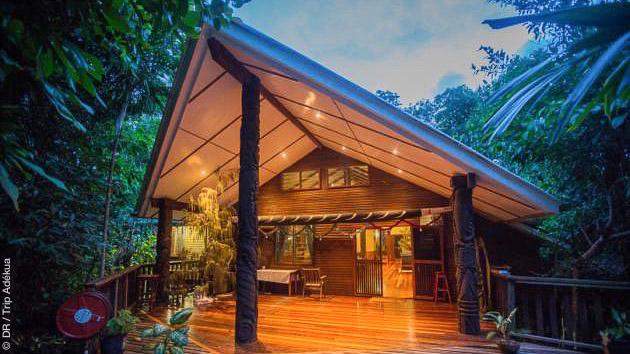 Vos hébergements en resort tout confort à Tawali et Tufi, en Nouvelle Guinée, pendant votre séjour avec plongée