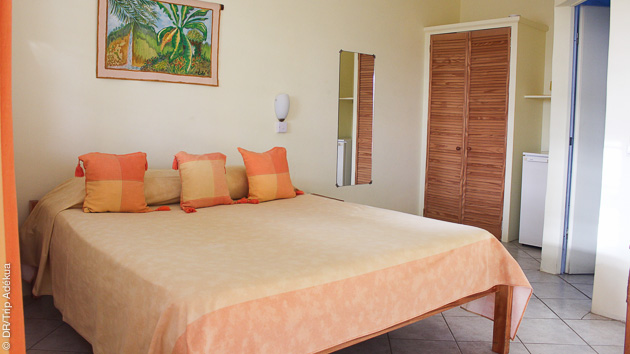 spacieuse chambre d'hôtel pendant vos vacances plongée à l'ile de la Dominique