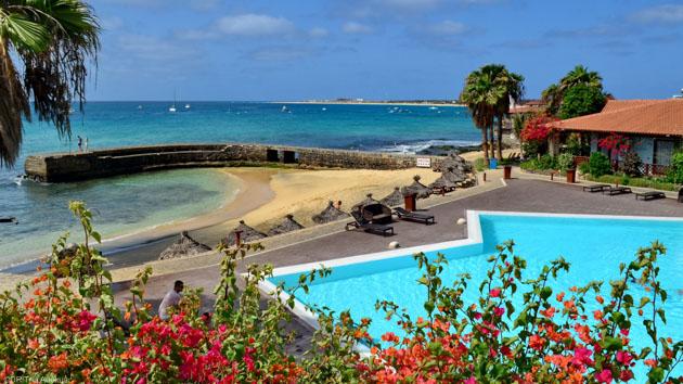 Votre hébergement avec piscine sur la plage de Santa Maria au Cap Vert