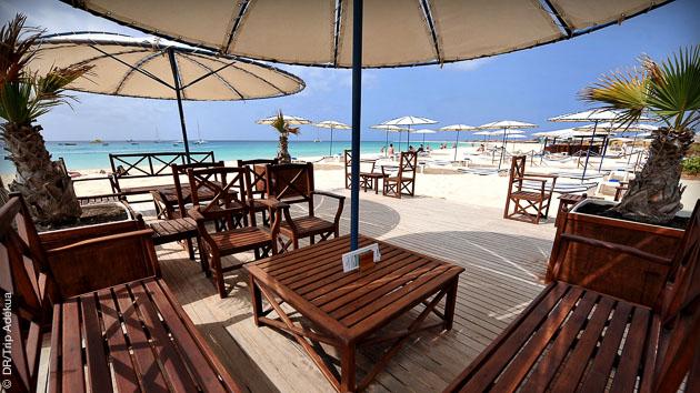 accès direct de votre hôtel sur la plage de Santa Maria au Cap Vert