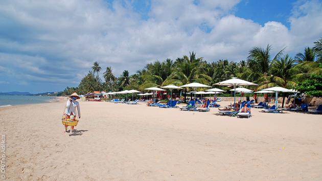 Après la plongée, la plage de sable fin de l'île de Phu Quoc : calme et volupté...