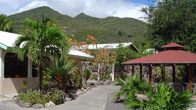 Entre plongées et excursions, vous êtes logés dans un hôtel avec vue sur la mer des Caraïbes