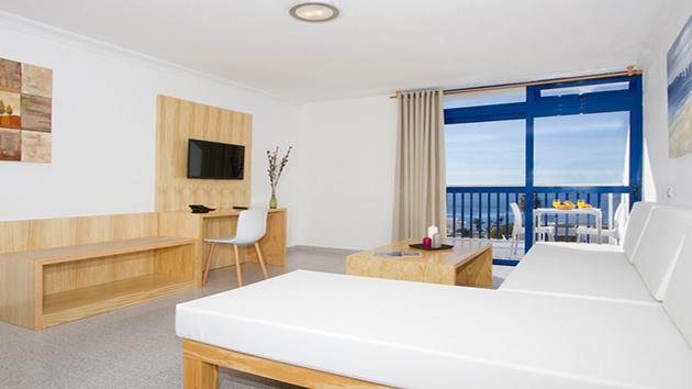 mon hôtel près du centre de plongée à Lanzarote