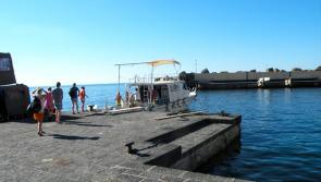 Départ pour les plongées, dans le port d'Ustica