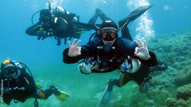 Découvrez les abysses entre amis pour ce séjour plongée tec deep en Grèce !